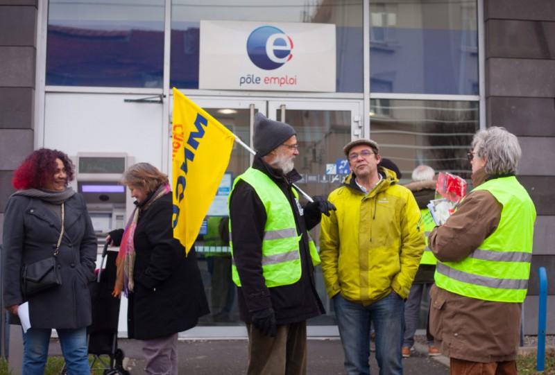 À Clermont-Ferrand, les Gilets jaunes montrent leur solidarité avec les chômeurs (Chôm'actif)